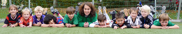 Auf geht´s - Coach Nicole Albeke und ihre Minikicker