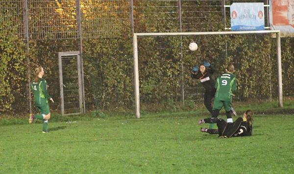 Starker Angriff der Sportfreunde - Annika packt sicher zu