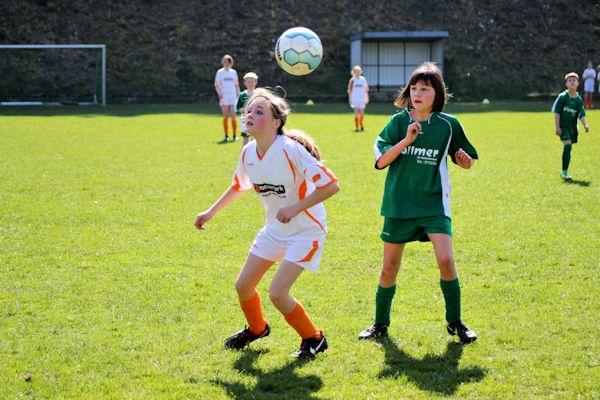 Duell gewonnen - Maria stark im Kopfballspiel