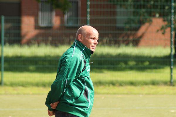 Coach Martin Ertner - ja, die Mannschaft wächst zusammen und hat sich den Punkt verdient!