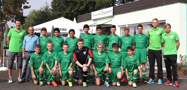 Team C-Junioren 14/15 mit Sponsor Mimmo und Betreuern