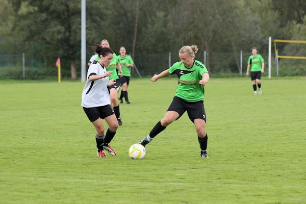 Stürmerin Tina immer anspielbar, sorgt mit ihrem Treffer zum 2:0 für die Entscheidung