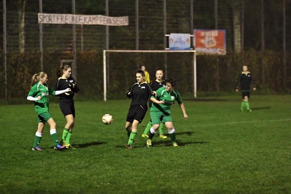 Eichholz zeigt viel Geduld gegen starke Abwehrreihe der Sportfreunde