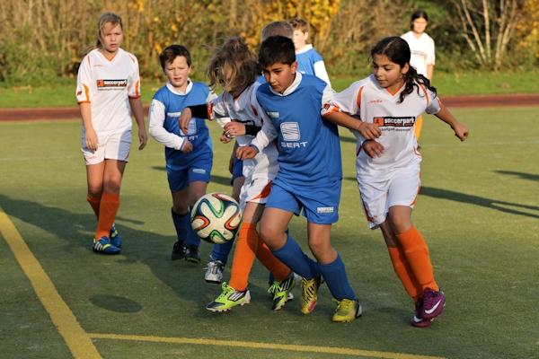 Viel dazu gelernt - Zweikämpfe der Mädchen oft erfolgreich