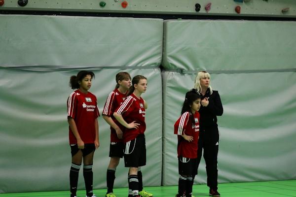 Sonntag früh!! Jasmin und Kristina mit Team U14 und Auswahltrainerin S. Lehmann