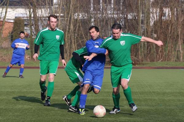 Ballbehauptung und Einsatz passen - Co-Trainer T. Holz lobt Engagement der Grünen