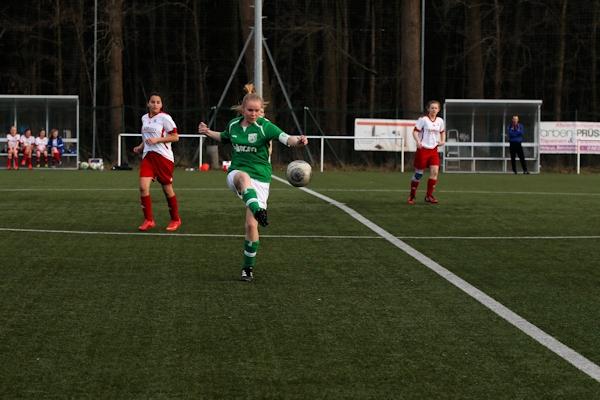 Kapitän Birte - besonders motiviert, da sie das Verbandspokalspiel verpasste