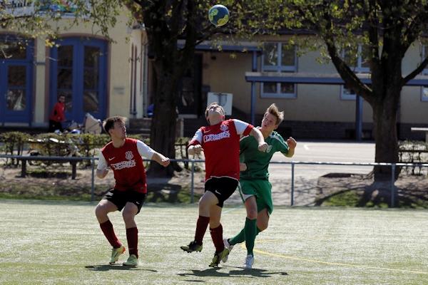 In einem intensiven Spiel vergeben die Eichholzer einen 3-Tore-Vorsprung