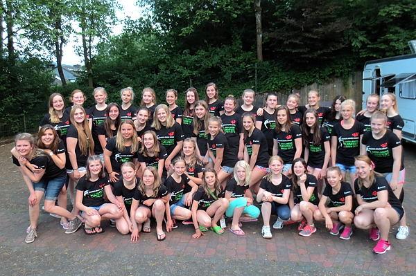 Tanzgruppen mit aktuellem Turnfest T-Shirt