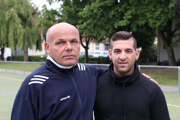 Martin Ertner begrüßt Vincenzo Gaeta im TuS