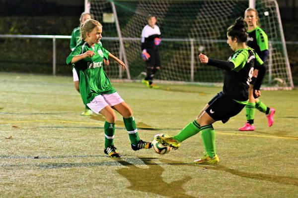 Marleen traf im offensiven Mittelfeld auf zweikampfstarke Gegnerinnen