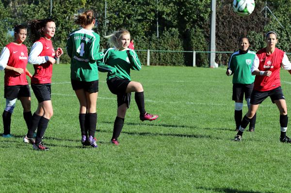 Bis zum Schluss glaubt das Team an sich - Celine überzeugt im Mittelfeld