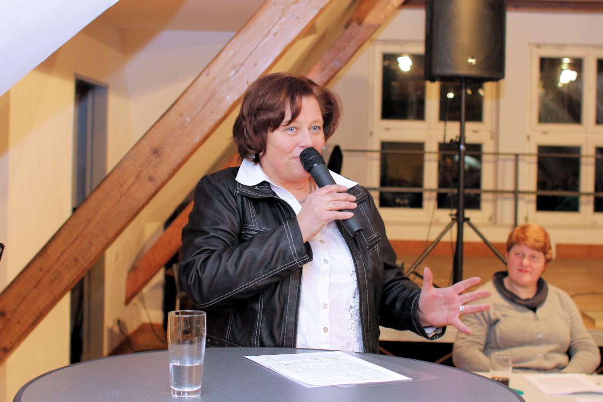 Annette referiert für die TuL-Abteilung
