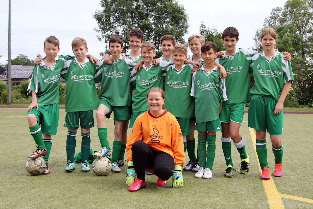 Freude im Team der D-Junioren - eine tolle Saison