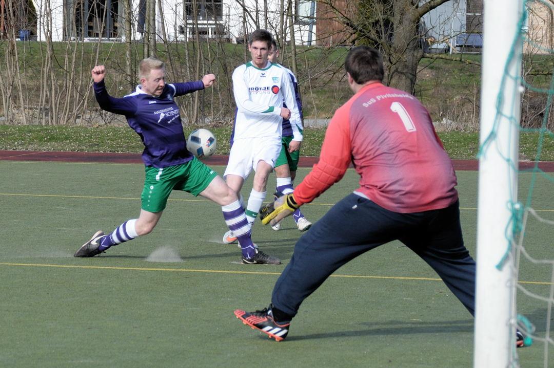 Mirko Röhl setzte sich auf links mehrfach durch - gut anspielbar!