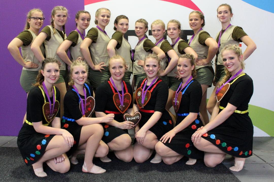 """Pokalwettkampf DTB-Dance """"Mariposa"""" und """"2Punkt0"""" mit Trainerinnen Felice Schwartmann und Miriam Oeser"""