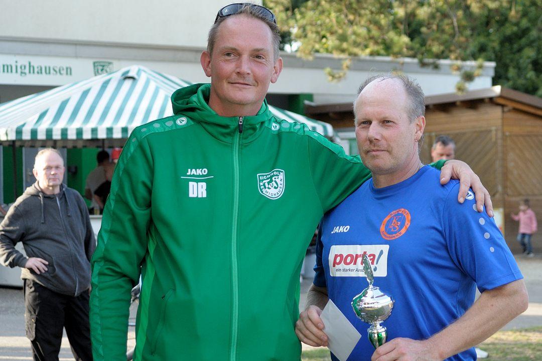 Überraschungszweiter wurde Kickers Sennestadt im Endspiel gegen den DSC Arminia